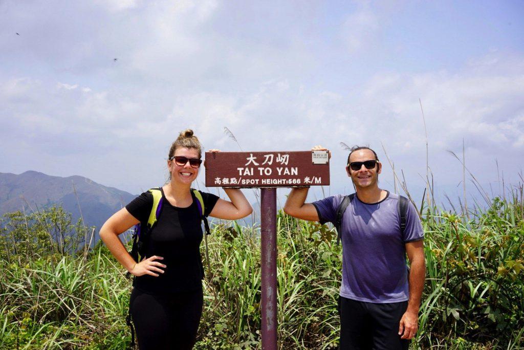hike Razor's Edge Ridge