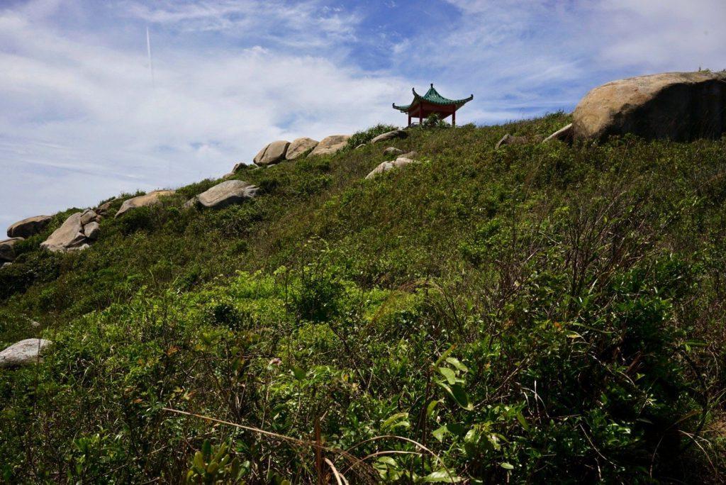 hike Lamma Island and either Yung Shue Ha or Sham Wan