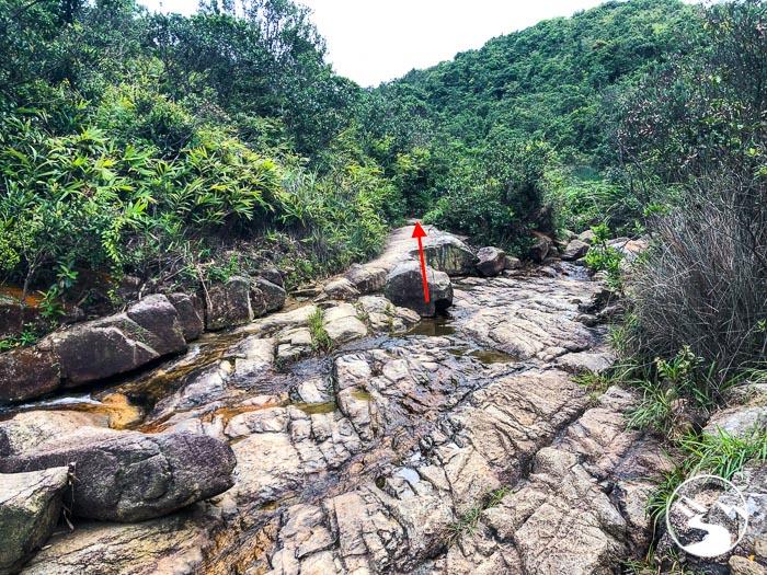 trail to deep pool