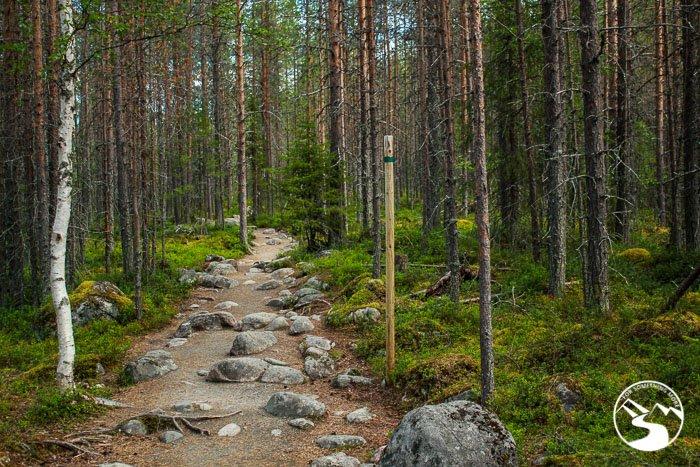 Pieni Karhunkierros trail marker