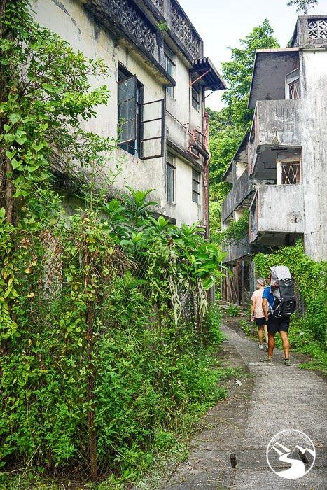 walking through Ma Wan (馬灣) Ghost Town